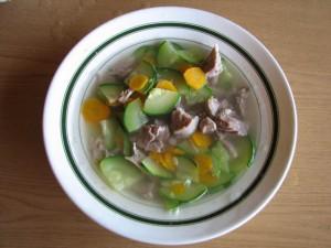 Суп из индейки и свежего цукини